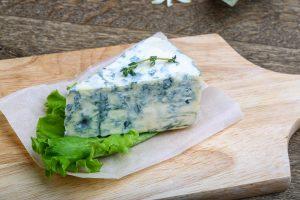 ena kommati blue cheese pano se ksilo