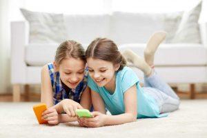 Ξέρετε πότε είναι η κατάλληλη ηλικία για να έχει ένα παιδί κινητό;