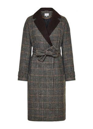 καρό παλτό για να εντυπωσιάσεις στην καραντίνα