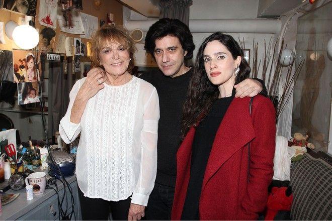 Η Εύα Σιμάτου με τον σύζυγό της και την πεθερά της Μπέτυ Αρβανίτη