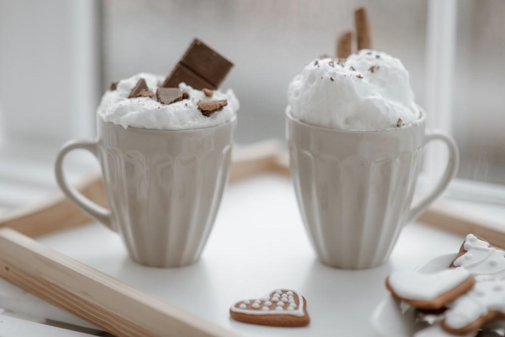 ζεστό ρόφημα λευκής σοκολάτας