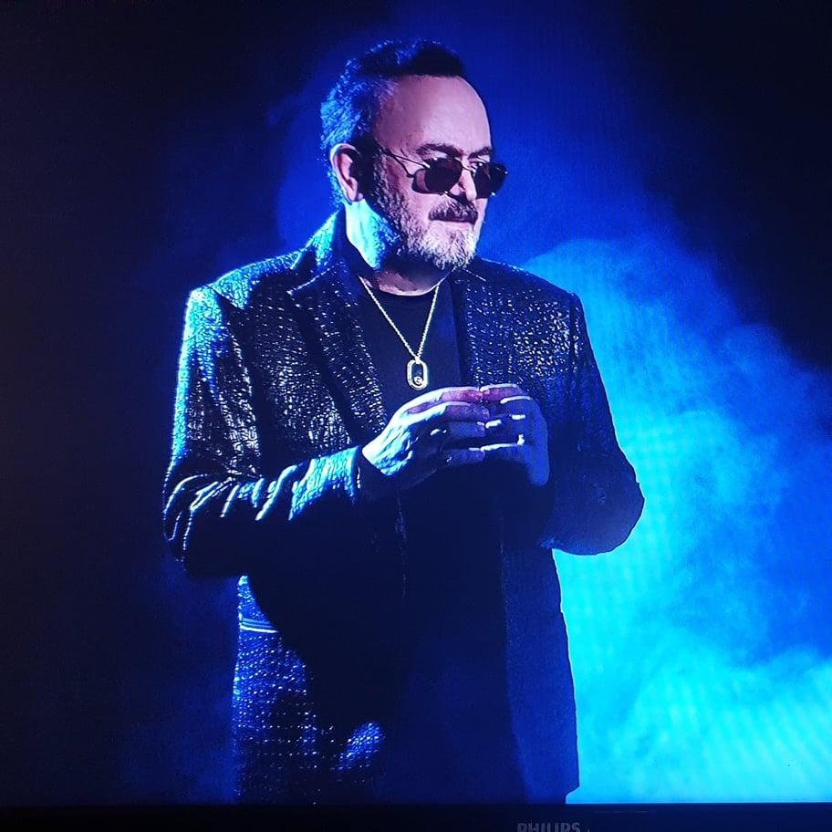 Ο Σταμάτης Γονίδης αποχαιρετά τη χρονιά μ' ένα νέο τραγούδι