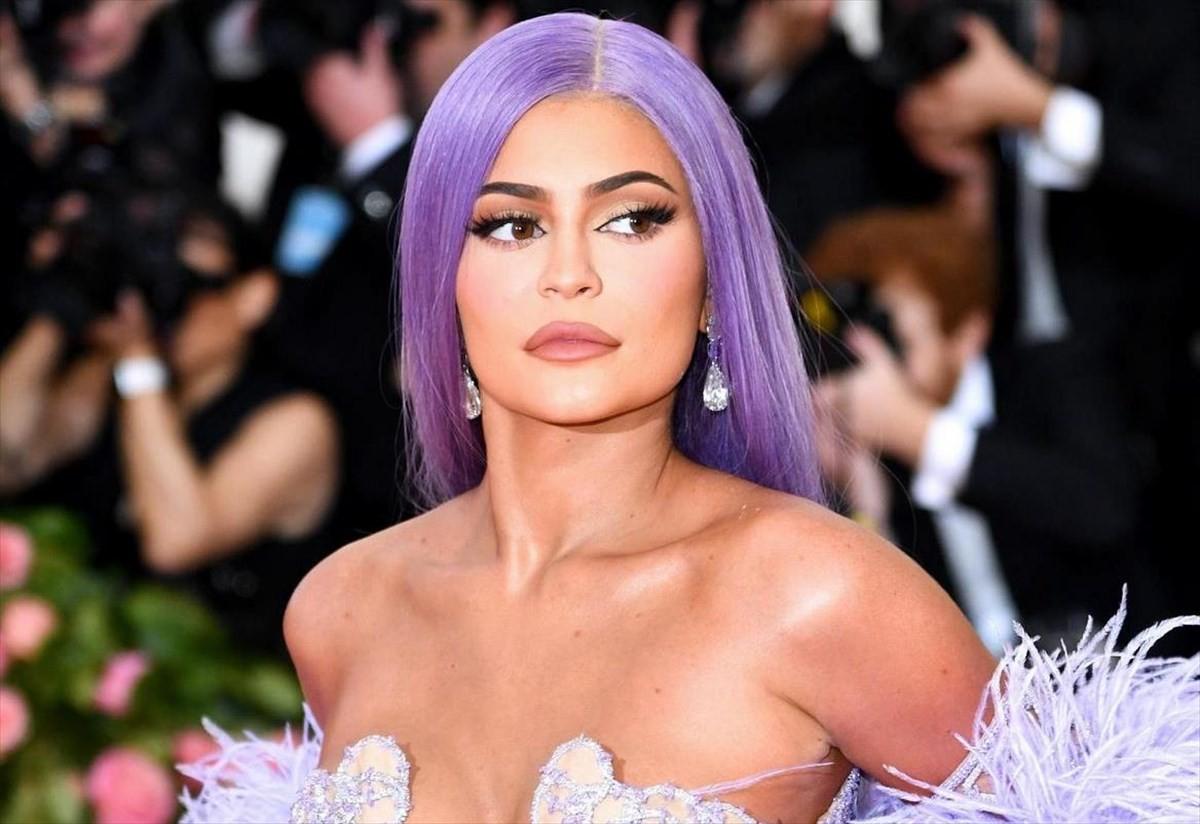η kylie jenner είναι η πλουσιότερη celebrity για το 2020