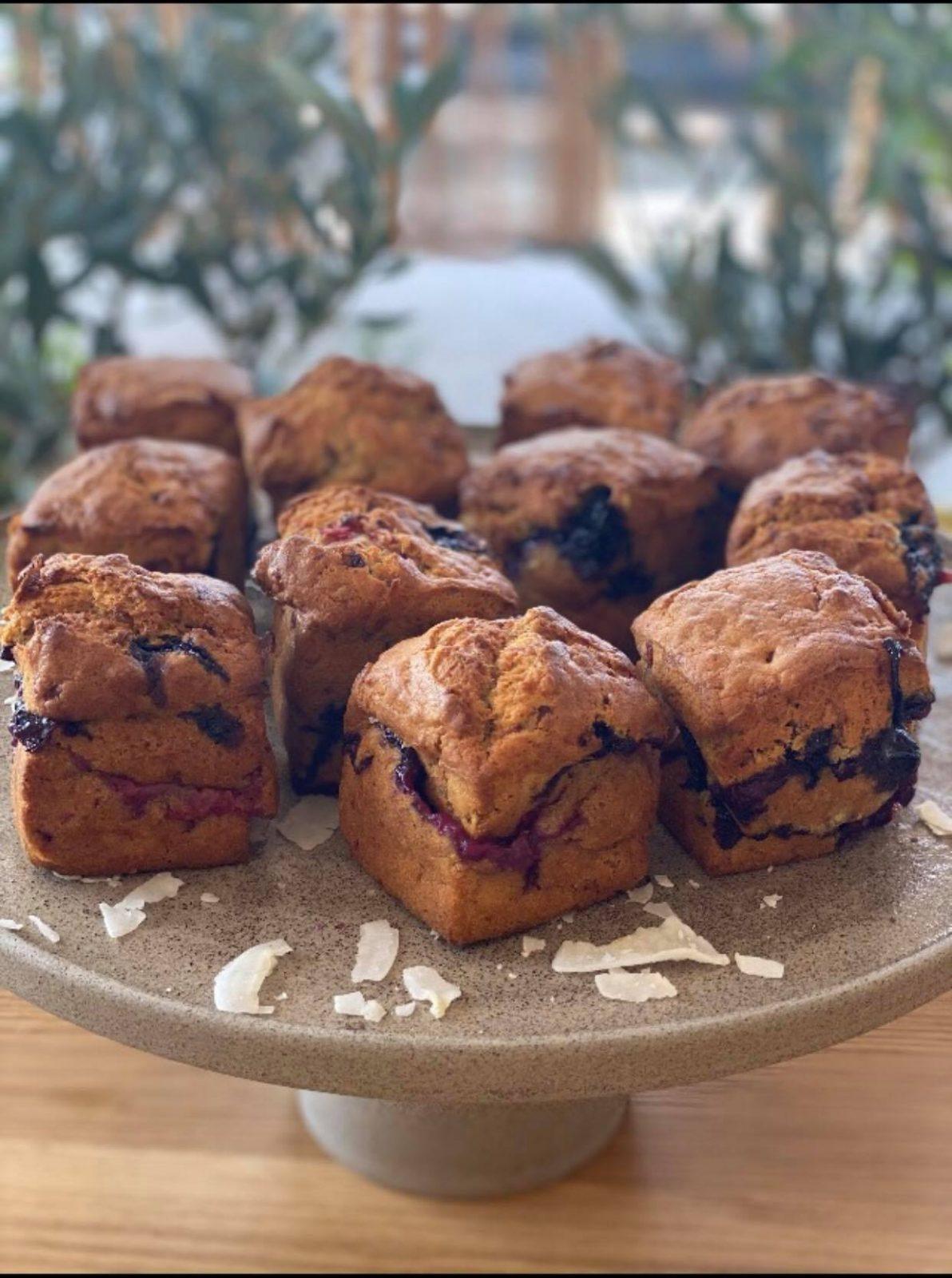 muffins με μπανάνα και μύρτιλα