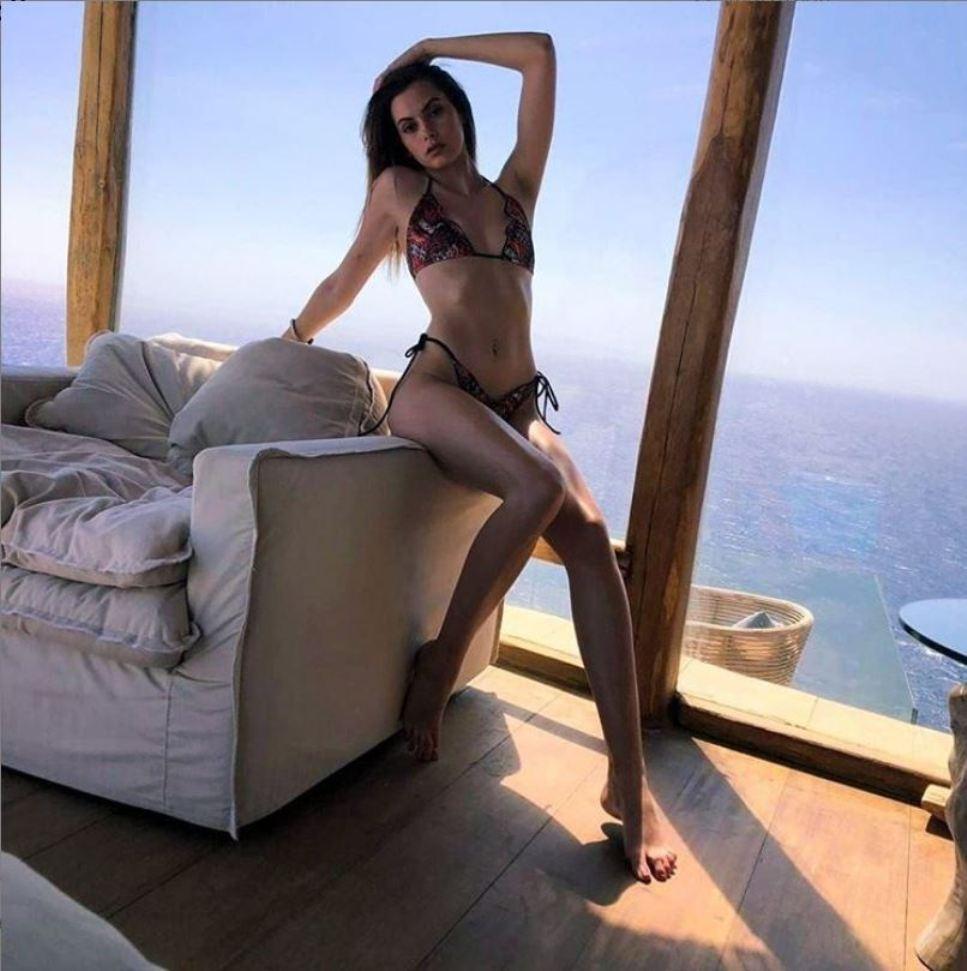Η Σάρα Τσέχου πρωταγωνιστεί στο video clip της Βανδή