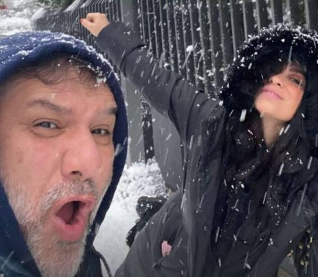Γρηγόρης Αρναούτογλου και Νάνσυ Αντωνίου ποζάρουν στα χιόνια