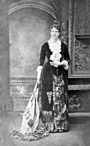 η γυναίκα που εφηύρε το μανικιούρ. Mary E. Cobb