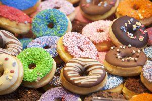 χρωματιστά donuts